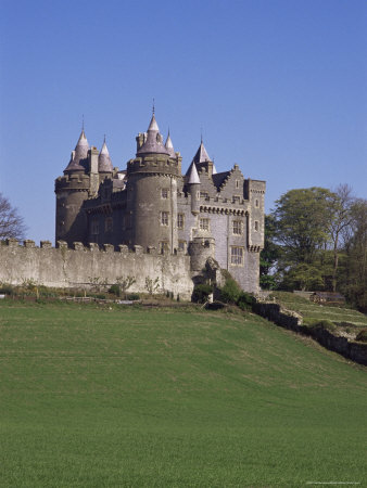 322-2481killyleagh-castle-dating-from-the-17th-century-county-down-northern-ireland-posters